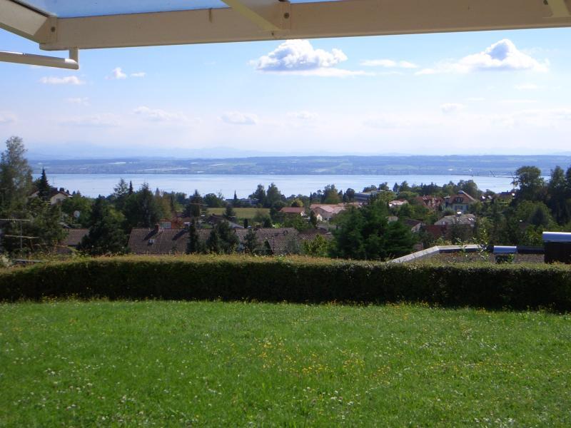 Attraktives kleines Gartenapartment mit herrlichem See- und Alpenpanorama