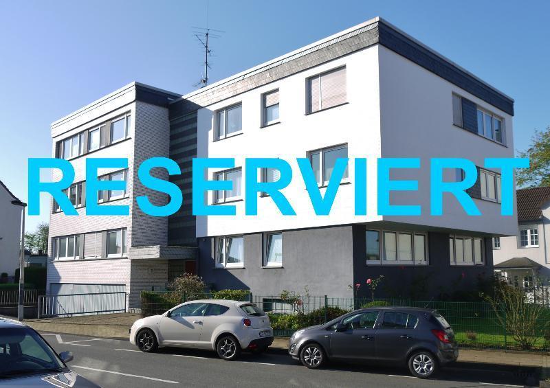 Attraktives Immobilienpaket aus 3 Wohnungen und 4 Garagen in Solingen-Wald