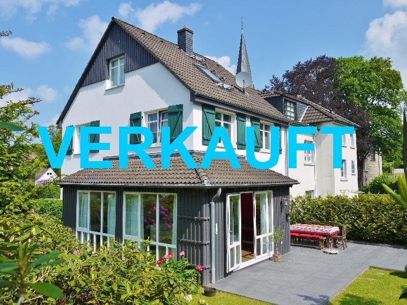 Stilvoll leben in Gruiten-Dorf ! Attraktives Einfamilienhaus mit perfekter Ausstattung !