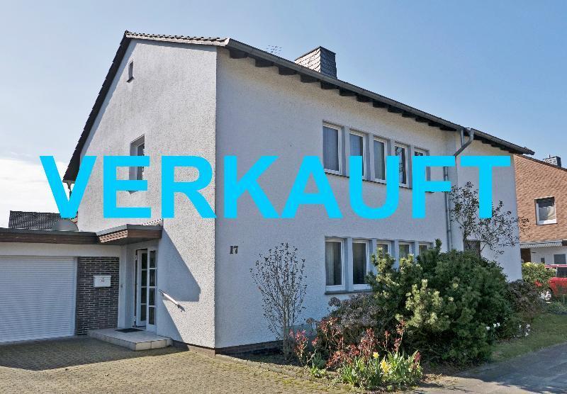 Freistehendes Ein-/Zweifamilienhaus mit viel Potenzial in bester Lage von Langenfeld