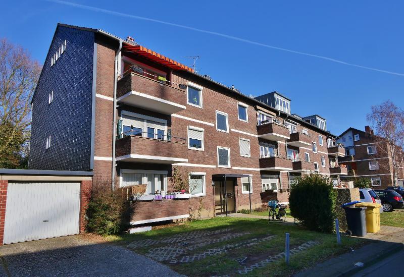 Sympathische 2-Zimmer Dachwohnung in ruhiger Lage von Düsseldorf-Wersten