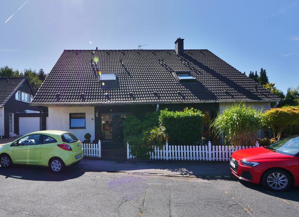 Attraktive Zweifamilien-Doppelhaushälfte in gepflegter Lage von Remscheid-Lüttringhausen