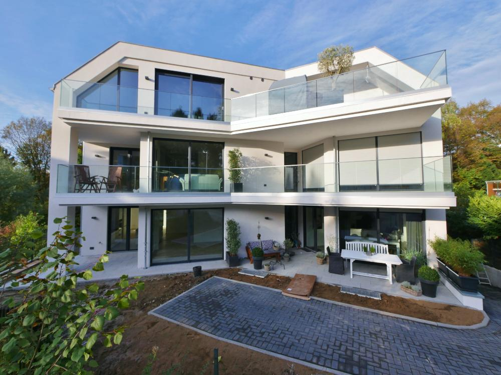 Wohnen im Dornerfeld ! Exklusive 4-Zimmer Terrassenwohnung auf zwei Etagen in ruhiger, innerstädtischer Parklage von Haan