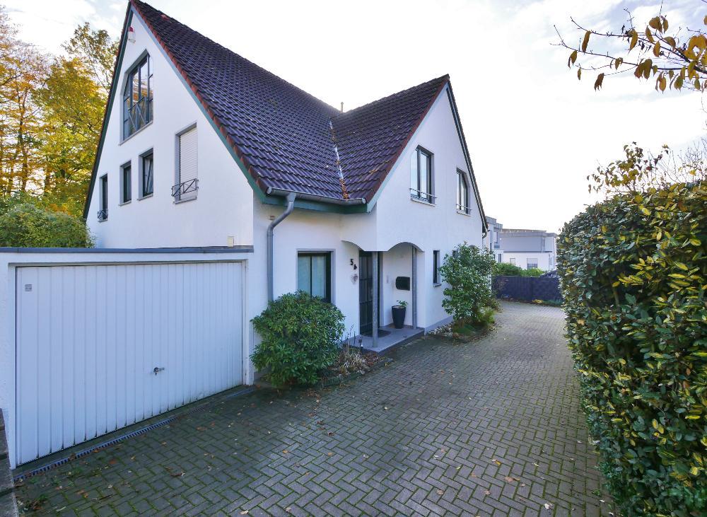Komfortable, familienfreundliche Doppelhaushälfte in bester Lage von Mettmann-Metzkausen
