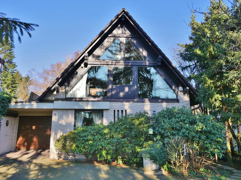 Freistehendes Einfamilienhaus auf großem Grundstück in grüner Lage von Haan