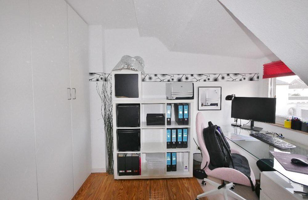 Arbeitszimmer DG