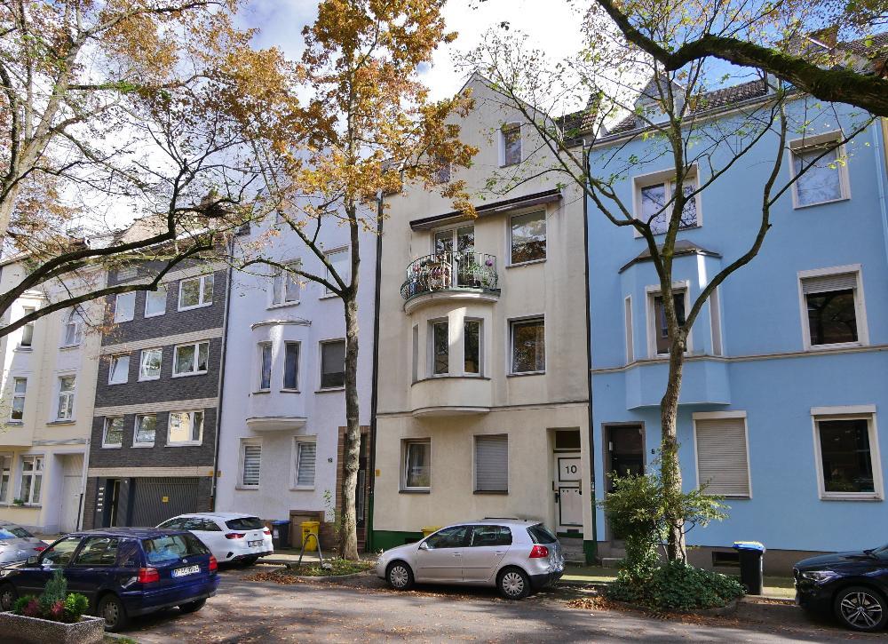 Attrraktive 3-Zimmer Maisonettewohnung mit viel Charme in grüner Lage von Düsseldorf-Benrath